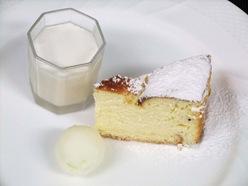 焼きチーズケーキ・練乳のアイスクリーム・ダージリン風味のパンナコッタ
