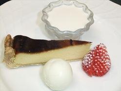 リコッタチーズケーキとフランボワーズのパンナコッタ