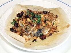 イワシと根菜とマッシュドポテトのシチリア風パン粉焼き