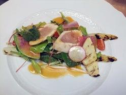 白アスパラとあぶりササミの春野菜サラダ