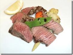 和牛モモ塩漬け肉のステーキ